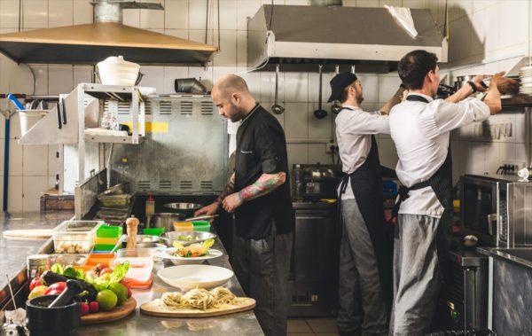 Как получить первую работу шеф-поваром: советы новичкам