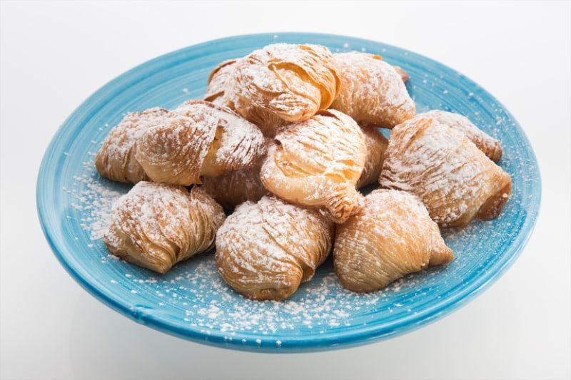 Сфольятелла - топовые итальянские десерты
